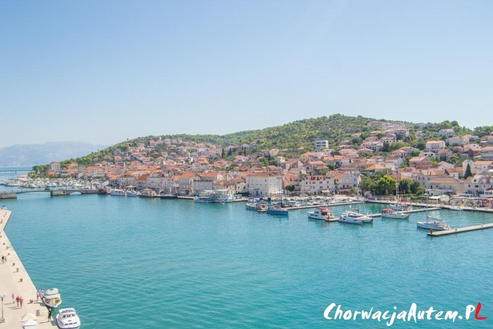 wyspa Ciovo oraz most łączący ją z Trogirem