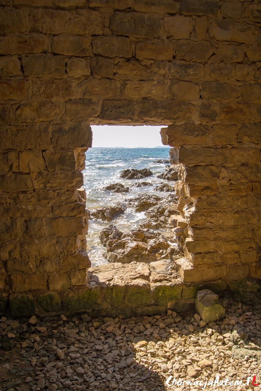 forteca na wyspie Vir