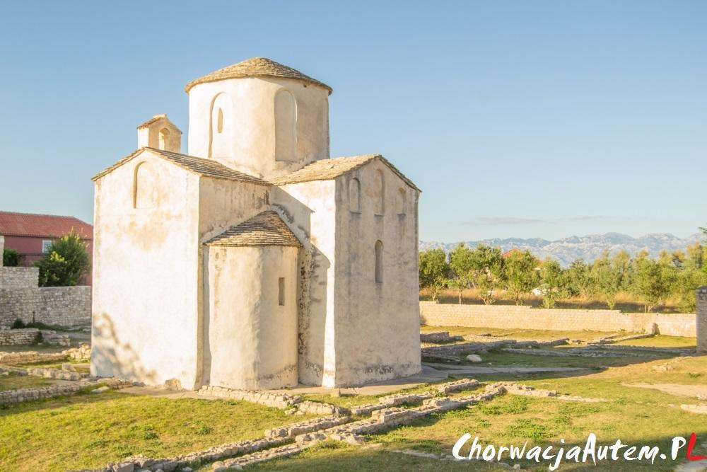 """VII wieczny kościół św Krzyża, czyli najmniejsza """"katedra"""" świata"""