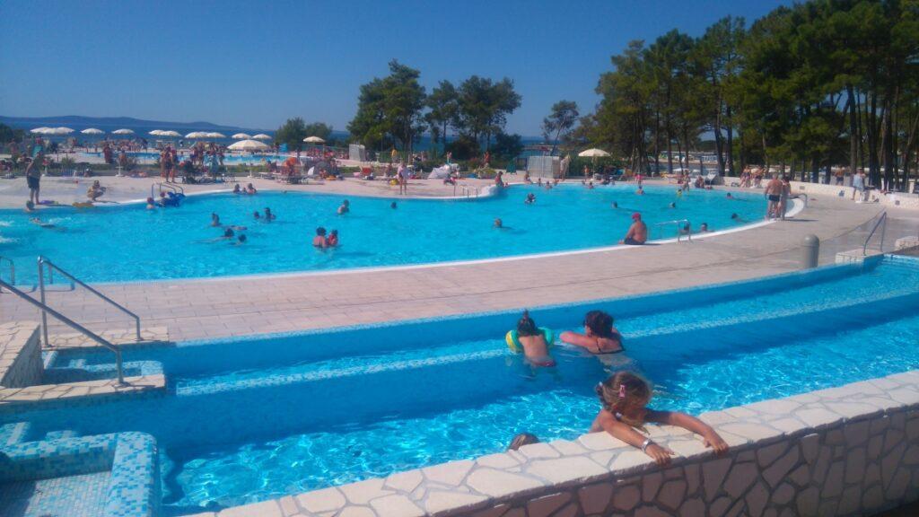Zaton Holiday Resort baseny, aquapark, koło wyspy Vir